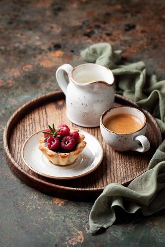 кофе и пироженное