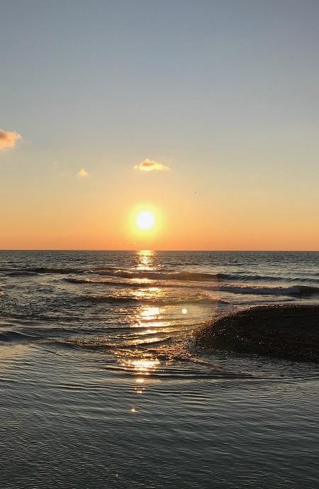 закат солнца над черным морем
