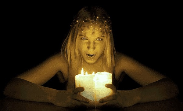 ведьма гадает