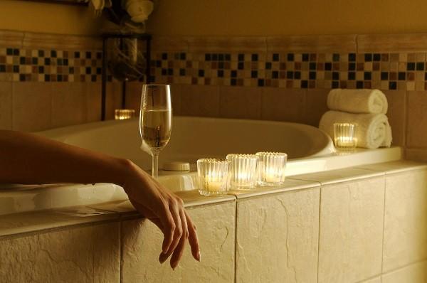 теплая ванна со свечами