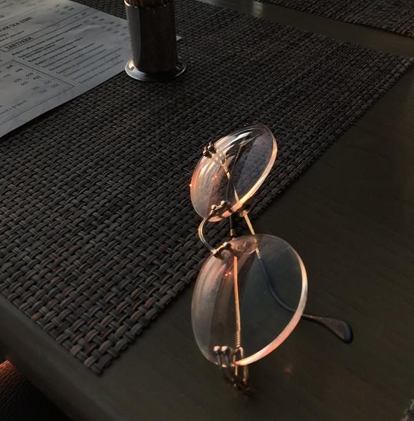 очки в лучах заката