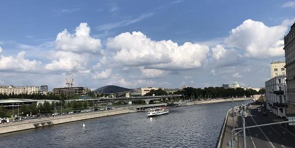 Москва река, вид на Парк Зарядье