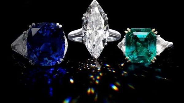 Бриллиант, сапфир, изумруд в белом золоте