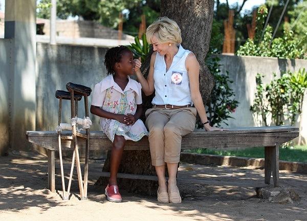 Принцеса Диана с миссией в Африке